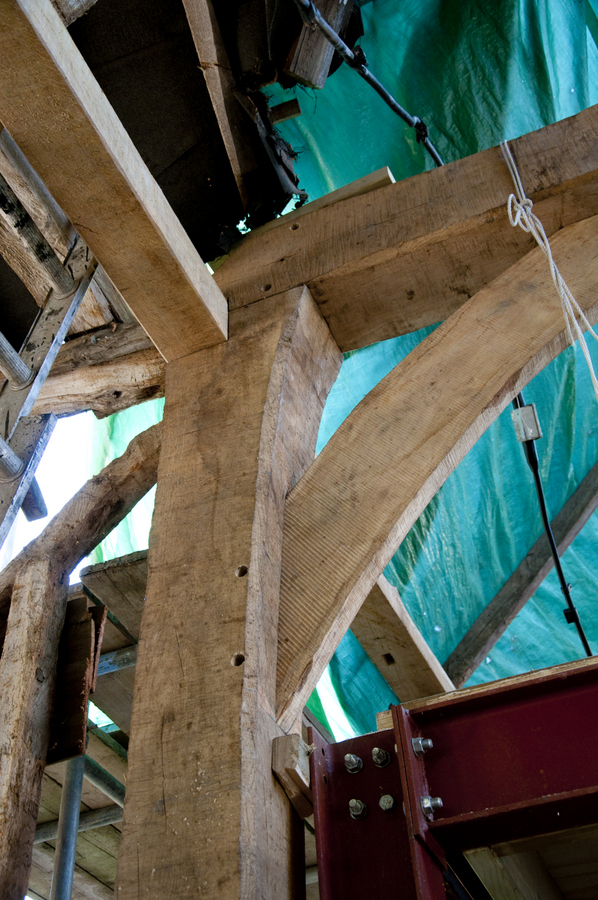 Jowl-post and tie-beam come together.
